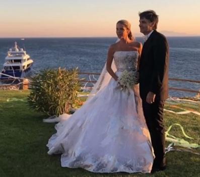 Κριθαριώτης – Δαρίβα: Ο λαμπερός γάμος τους στη Μύκονο! Βίντεο