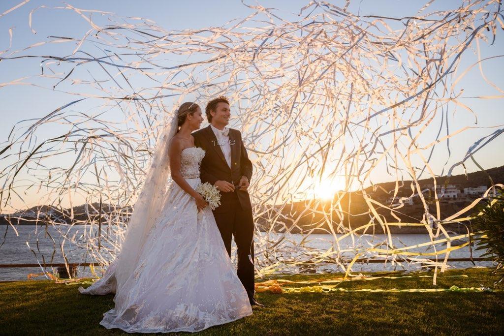 Νίκος Κριθαριώτης – Ναστάζια Δαρίβα: Φωτογραφίες από τον παραμυθένιο γάμο τους στη Μύκονο! | tlife.gr