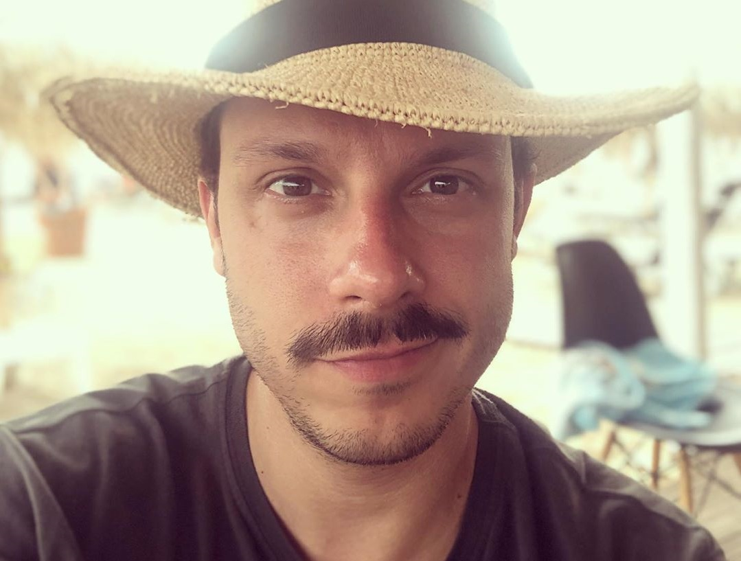 Δημήτρης Μακαλιάς: Δημοσίευσε φωτογραφία του αδικοχαμένου αδελφού του και… ράγισε καρδιές
