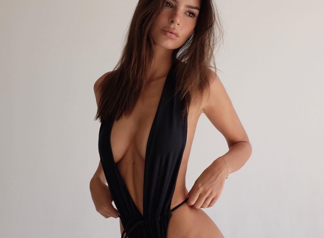 H Emily Ratajkowski ξαναχτυπά! Το ολόσωμο μαγιό που… έριξε το instagram! [pics] | tlife.gr