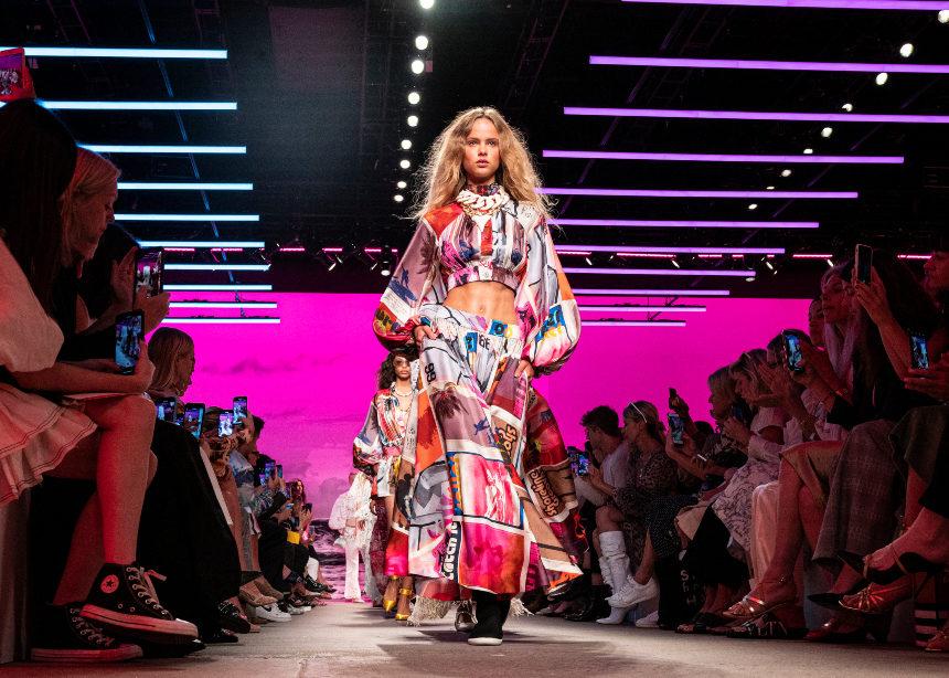 Νew York Fashion Week 2019: Tι είδαμε χθες στο runway!   tlife.gr