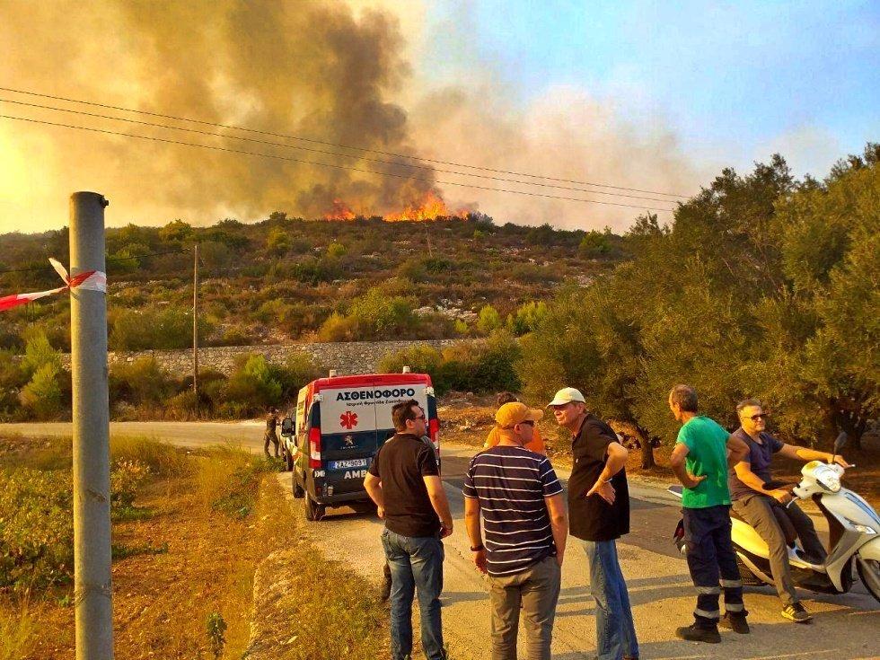 Φωτιά Ζάκυνθος: Φόβος για τη νύχτα που έρχεται | tlife.gr