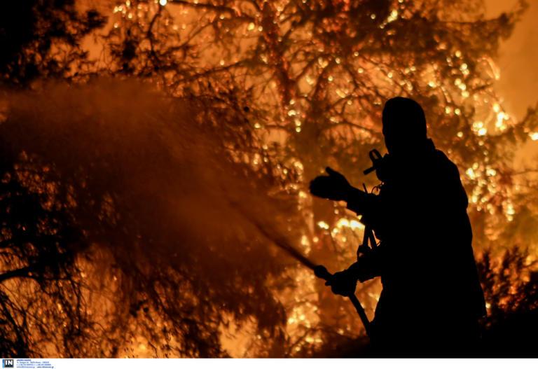 Φωτιά στο Λουτράκι: Εκκενώθηκαν μοναστήρια και γηροκομείο | tlife.gr