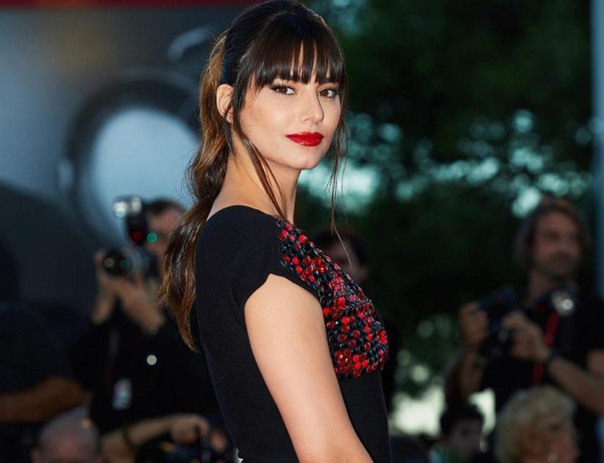 Ηλιάνα Παπαγεωργίου: Απαστράπτουσα στο κόκκινο χαλί του Φεστιβάλ της Βενετίας! [pics] | tlife.gr