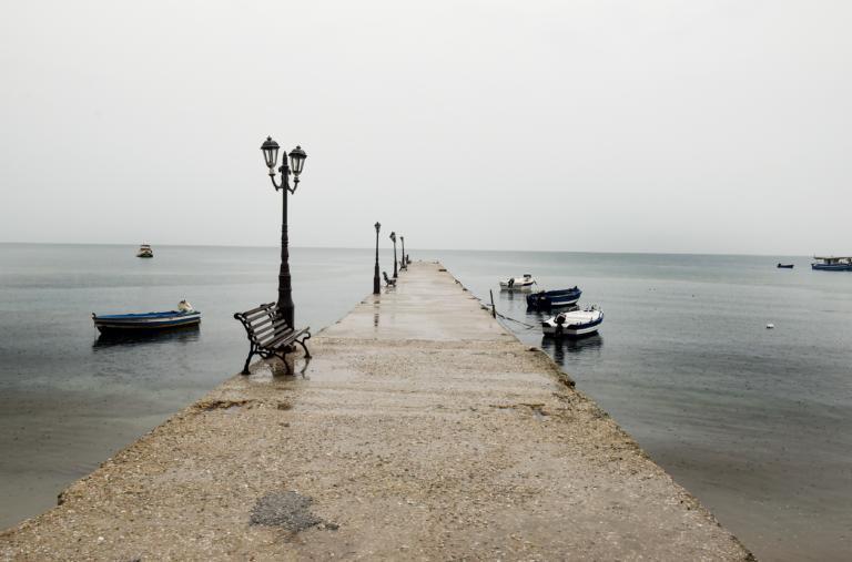Καιρός αύριο: Πού θα βρέχει και πού θα παραμείνει το καλοκαίρι   tlife.gr