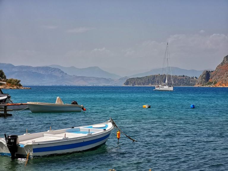 Καιρός αύριο: Μελτέμια και ζέστες – Σε ποιες περιοχές θα βρέξει | tlife.gr