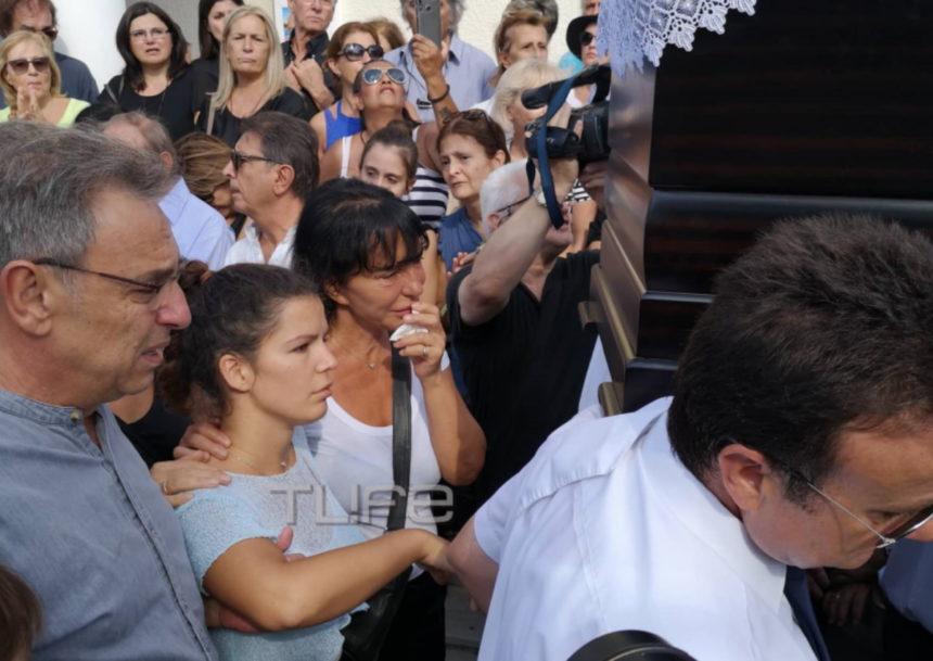 Μαρία Κλάρα Μαχαιρίτσα: Συγκινεί το νέο μήνυμα για τον πατέρα της, δύο εβδομάδες μετά την κηδεία του | tlife.gr