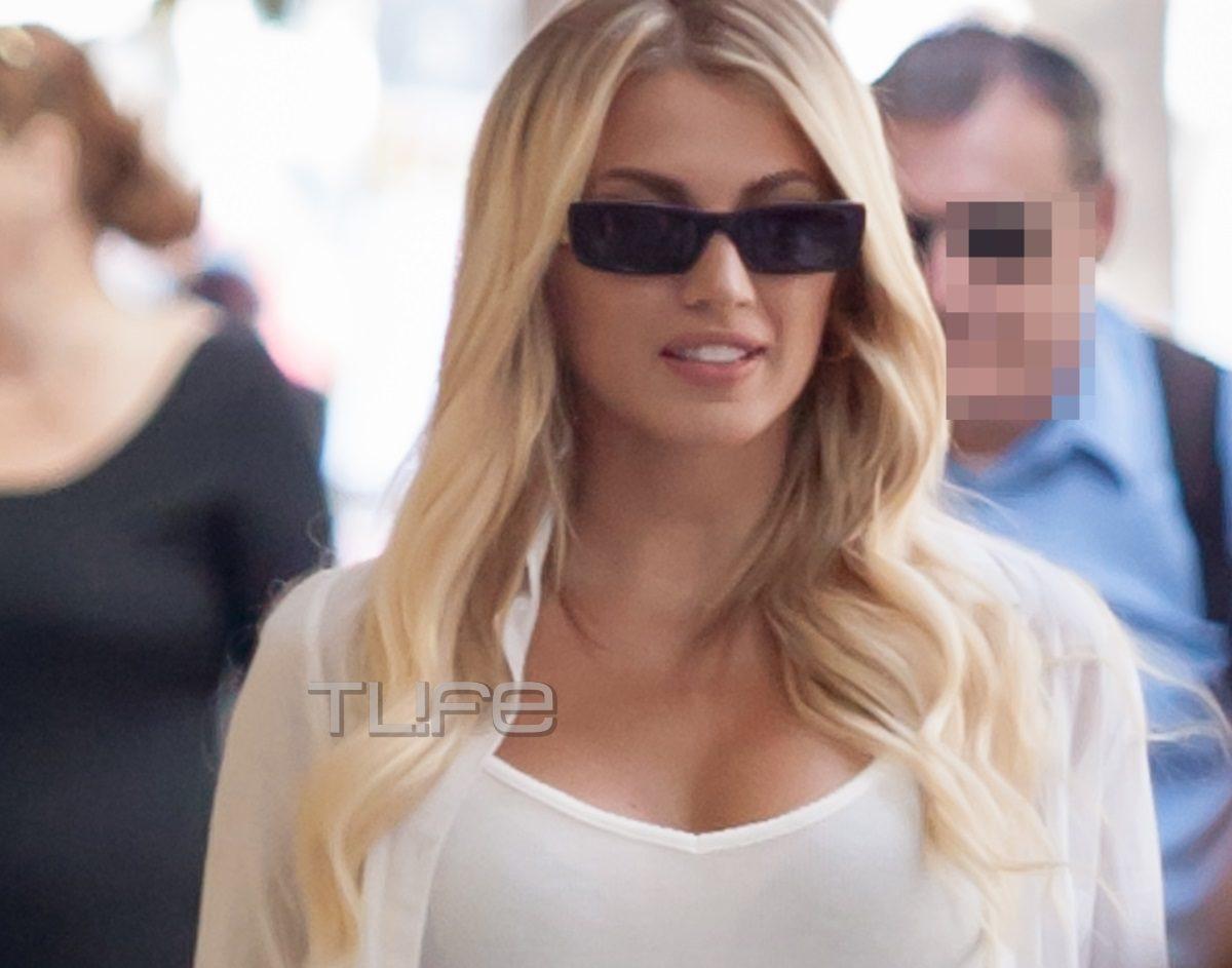 Κωνσταντίνα Σπυροπούλου: Πρωινή βόλτα στα μαγαζιά της Θεσσαλονίκης με casual look [pics] | tlife.gr