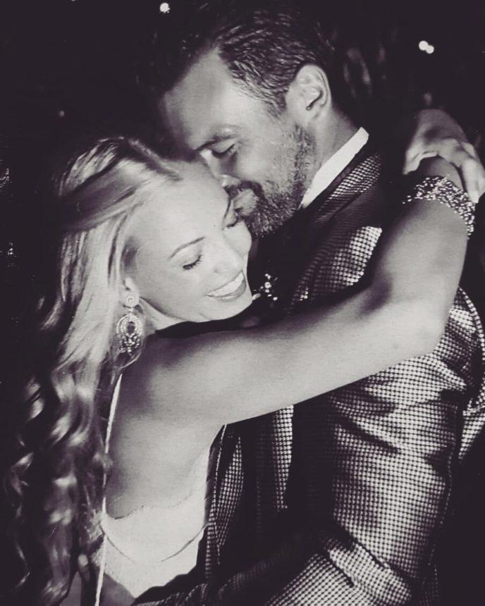 Iωάννα Μαρτζούκου – Κωνσταντίνος Καζάκος: Έχουν επέτειο γάμου! Πόσα χρόνια πριν παντρεύτηκαν; | tlife.gr