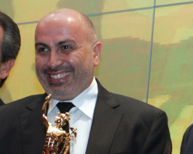 Γιώργος Κορρές: Ο γνωστός επιχειρηματίας περιγράφει πώς έπεσε θύμα ληστείας στο Σύνταγμα | tlife.gr