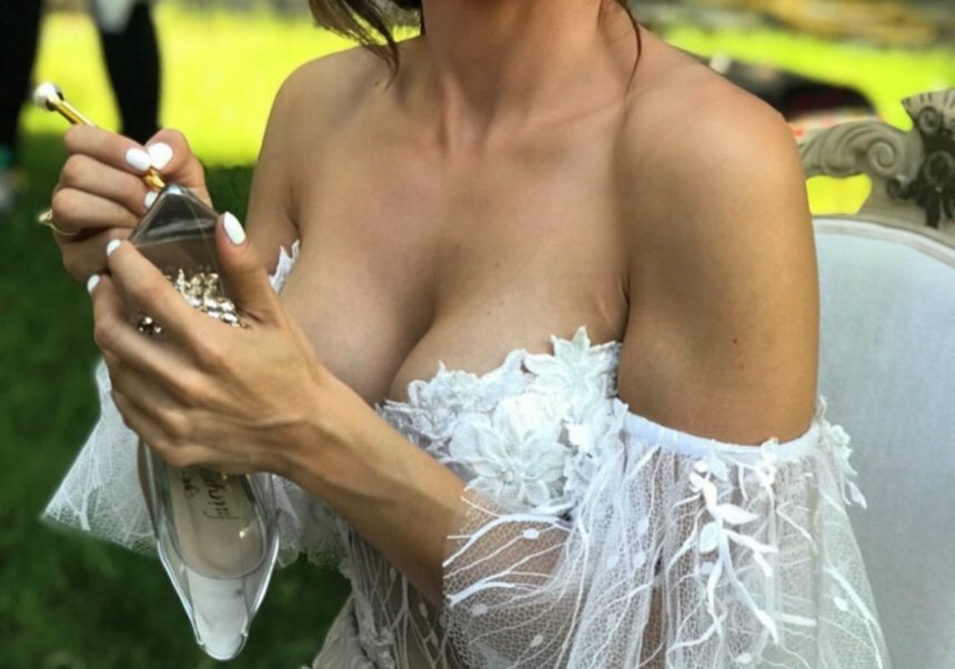 Γνωστή Ελληνίδα τραγουδίστρια παντρεύτηκε! [pics] | tlife.gr