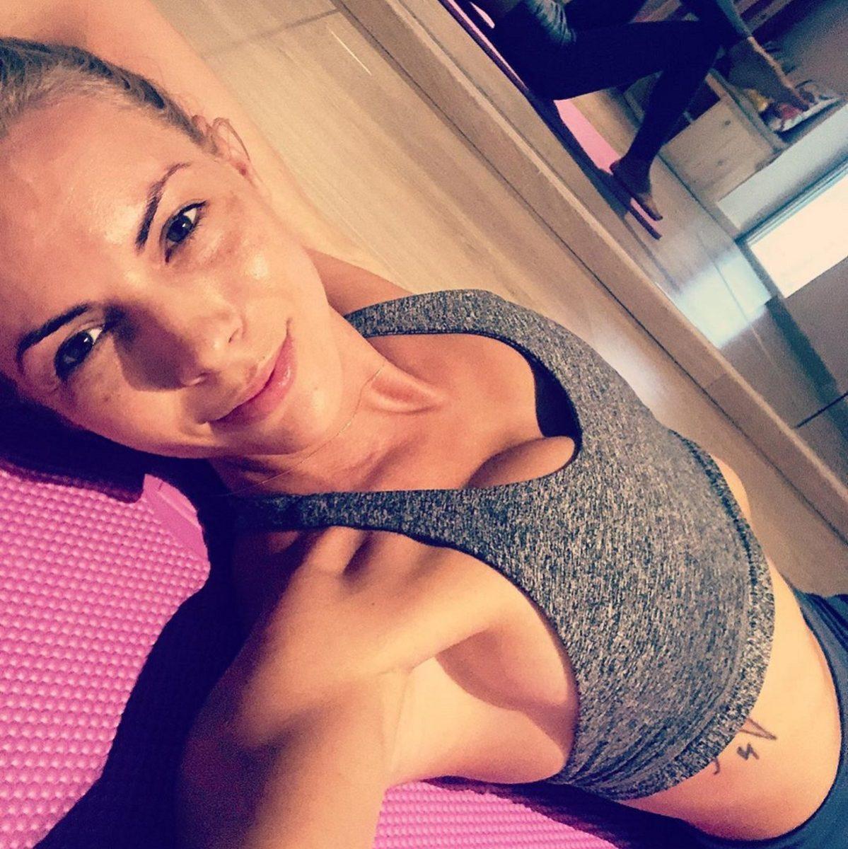 Μαρία Λουίζα Βούρου: Κάνει pilates… έχοντας για παρέα τον 11 μηνών γιο της! [pic,vid] | tlife.gr