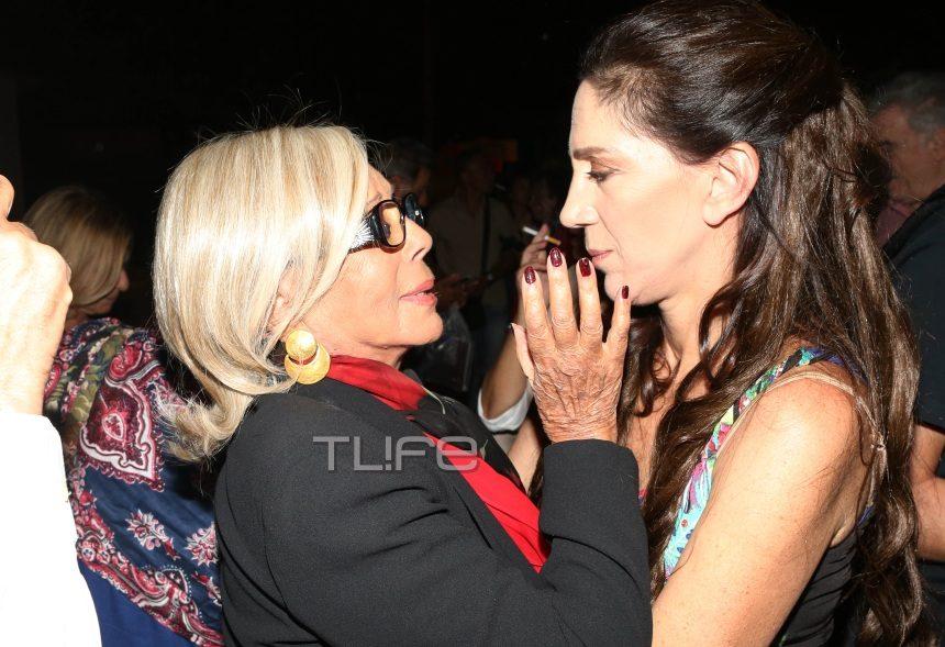 Νόνικα Γαληνέα: Σπάνια βραδινή έξοδος μετά από καιρό για την μεγάλη κυρία του θεάτρου! Φωτογραφίες | tlife.gr
