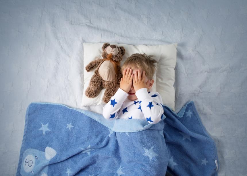Βραδινός Ύπνος: Τα λάθη που κάνουν οι γονείς και το παιδί δεν μπορεί να κοιμηθεί…   tlife.gr
