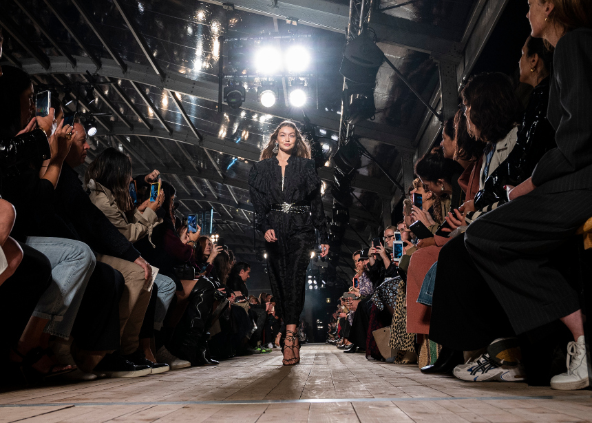 Paris Fashion Week: Tι προτείνουν οι μεγαλύτεροι οίκοι για την επόμενη σεζόν!