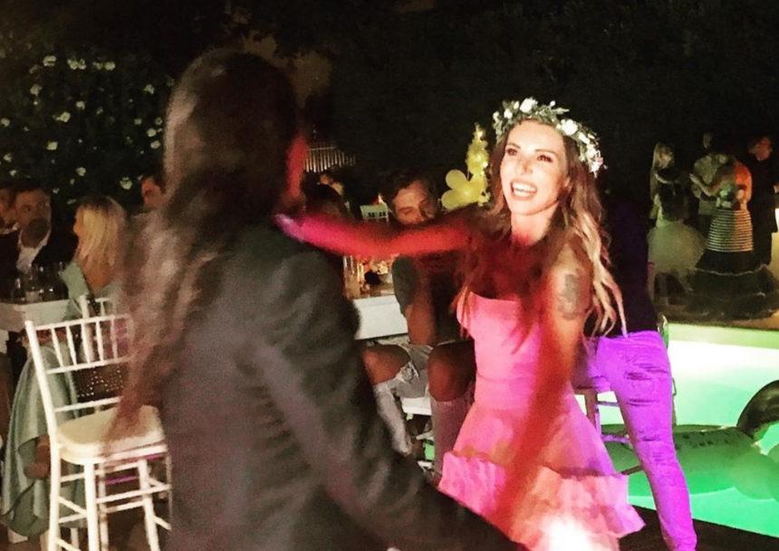 Ευρυδίκη – Μπομπ Κατσιώνης: Το ξέφρενο γαμήλιο πάρτι και η εντυπωσιακή τούρτα του ζευγαριού! | tlife.gr