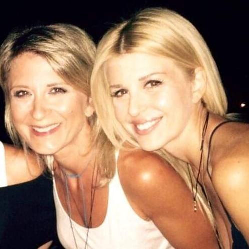 Έλενα Ράπτη: Δημοσίευσε φωτογραφία με την αδερφή της, Αντιγόνη - Δες πόσο μοιάζουν μεταξύ τους