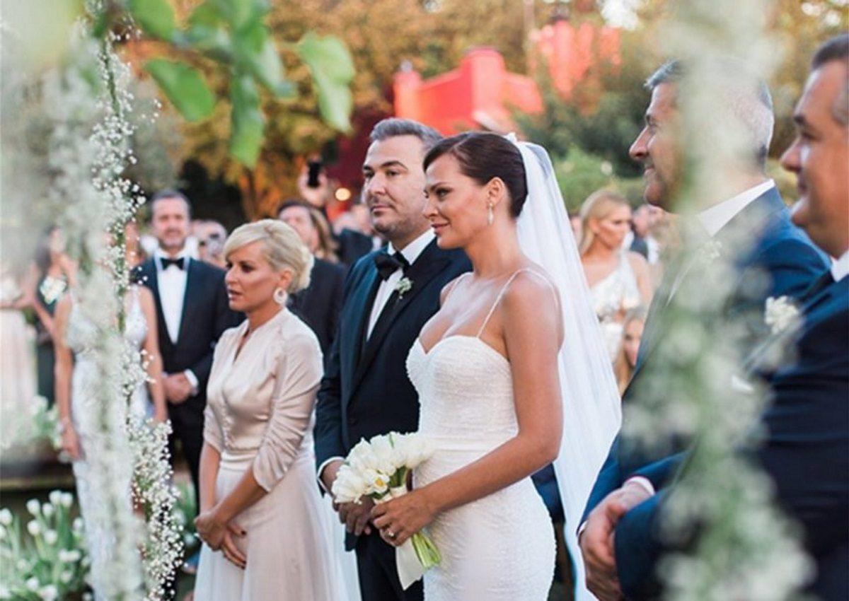 Υβόννη Μπόσνιακ: Επέτειο γάμου με τον Αντώνη Ρέμο – Η τρυφερή φωτογραφία τους! | tlife.gr
