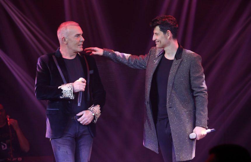Ο Σάκης Ρουβάς και ο Στέλιος Ρόκκος υποδέχονται την Έλενα Παπαρίζου! | tlife.gr