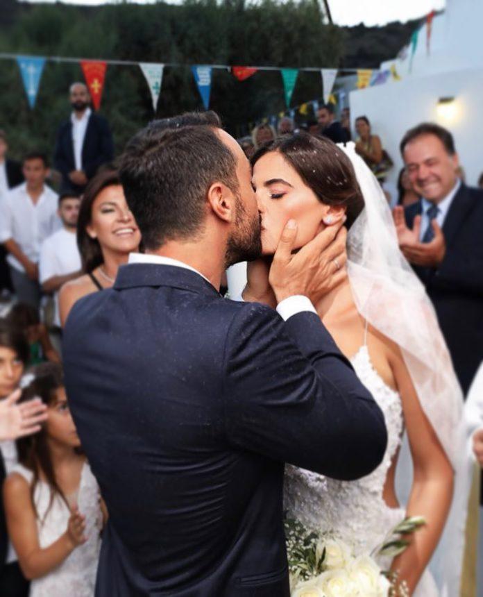 Σάκης Τανιμανίδης: Η δημόσια ερωτική εξομολόγηση στη γυναίκα του, ένα χρόνο μετά το γάμο τους! | tlife.gr