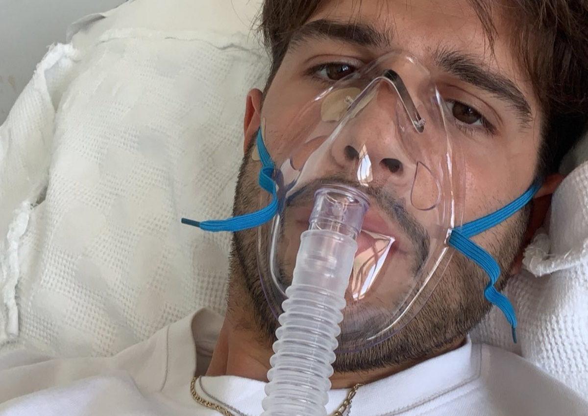 Βασίλης Σίμος: Το δεύτερο χειρουργείο στον πνεύμονα και η επίσκεψη του Γιάννη Σπαλιάρα στο νοσοκομείο   tlife.gr