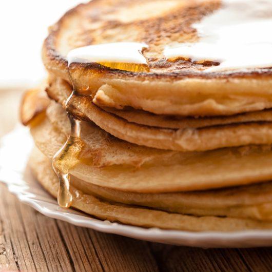 Σπιτικά pancakes με μέλι   tlife.gr