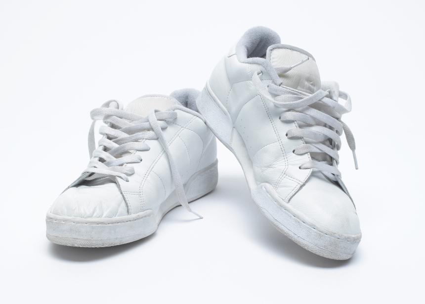 3 tips για να έχεις τα πιο λευκά sneakers!