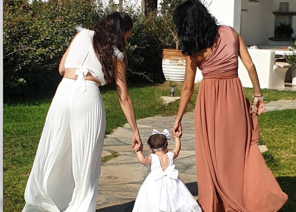 Γνωστή Ελληνίδα ηθοποιός βάφτισε την κόρη της στην Τήνο! | tlife.gr