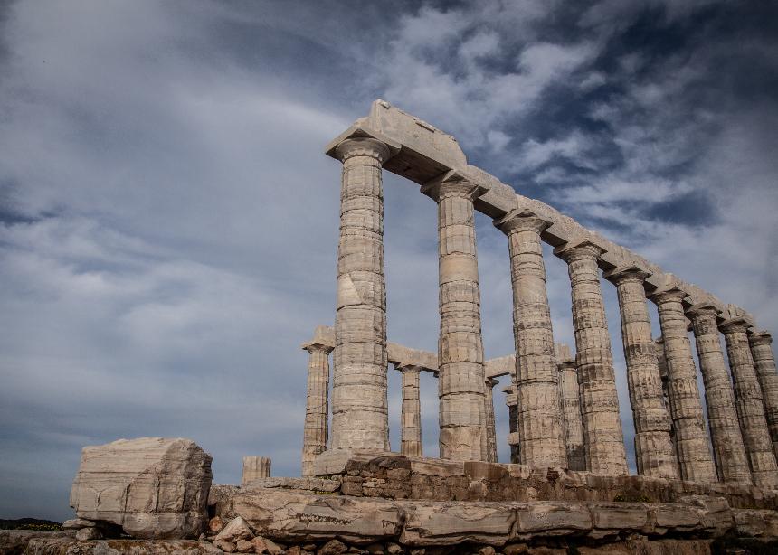 Ποια διάσημη σχεδιάστρια θα κάνει show στον Ναό του Ποσειδώνα στο Σούνιο! | tlife.gr