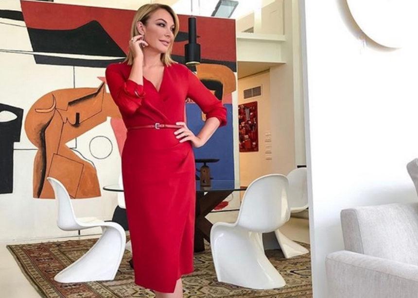 Η Τατιάνα φόρεσε το τέλειο office φόρεμα!   tlife.gr