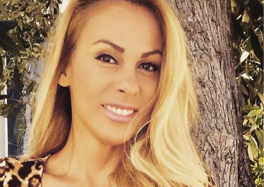 Ζώζα Μεταξά: Στα 46 της ποζάρει με μπικίνι και χωρίς ρετούς – Οι αναλογίες της εντυπωσιάζουν! | tlife.gr