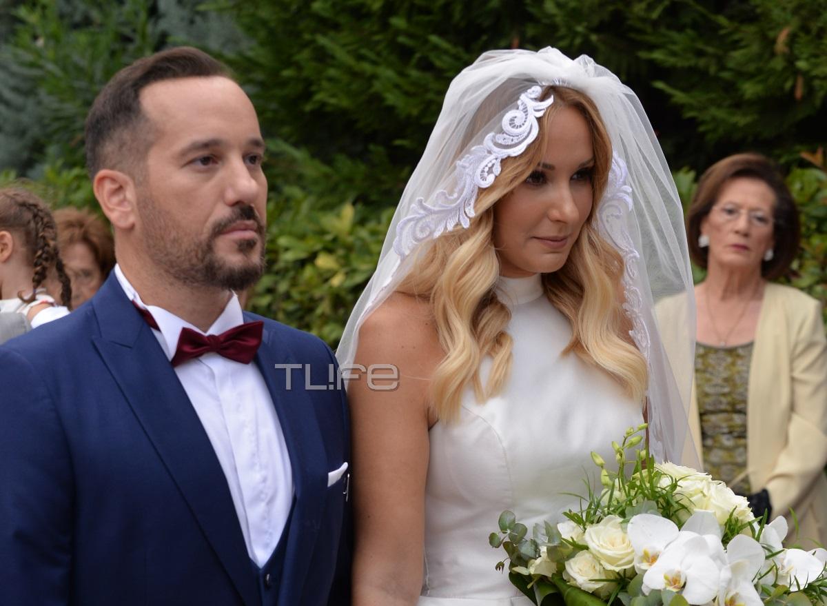 Μαίρη Αρώνη – Σπύρος Σιγούρος: Φωτογραφίες και βίντεο από τον παραμυθένιο γάμο τους!