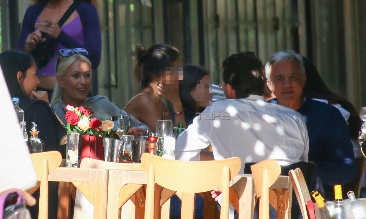 Μαρία Μπακοδήμου – Δημήτρης Αργυρόπουλος: Γεύμα στο κέντρο της πόλης με φιλική παρέα για το πρώην ζευγάρι [pics]   tlife.gr