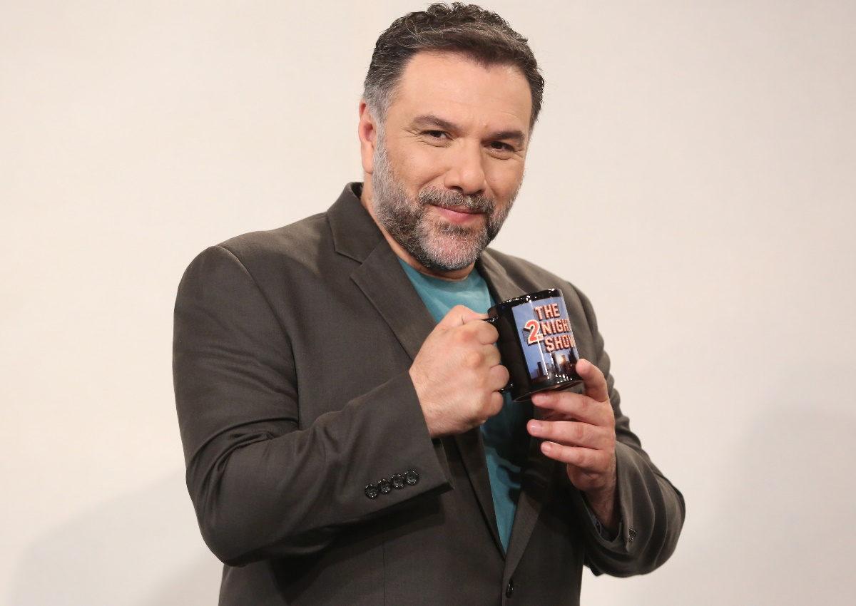 Γρηγόρης Αρναούτογλου: Πρόσωπο-έκπληξη εντάσσεται στην ομάδα του «The 2Night Show»!   tlife.gr