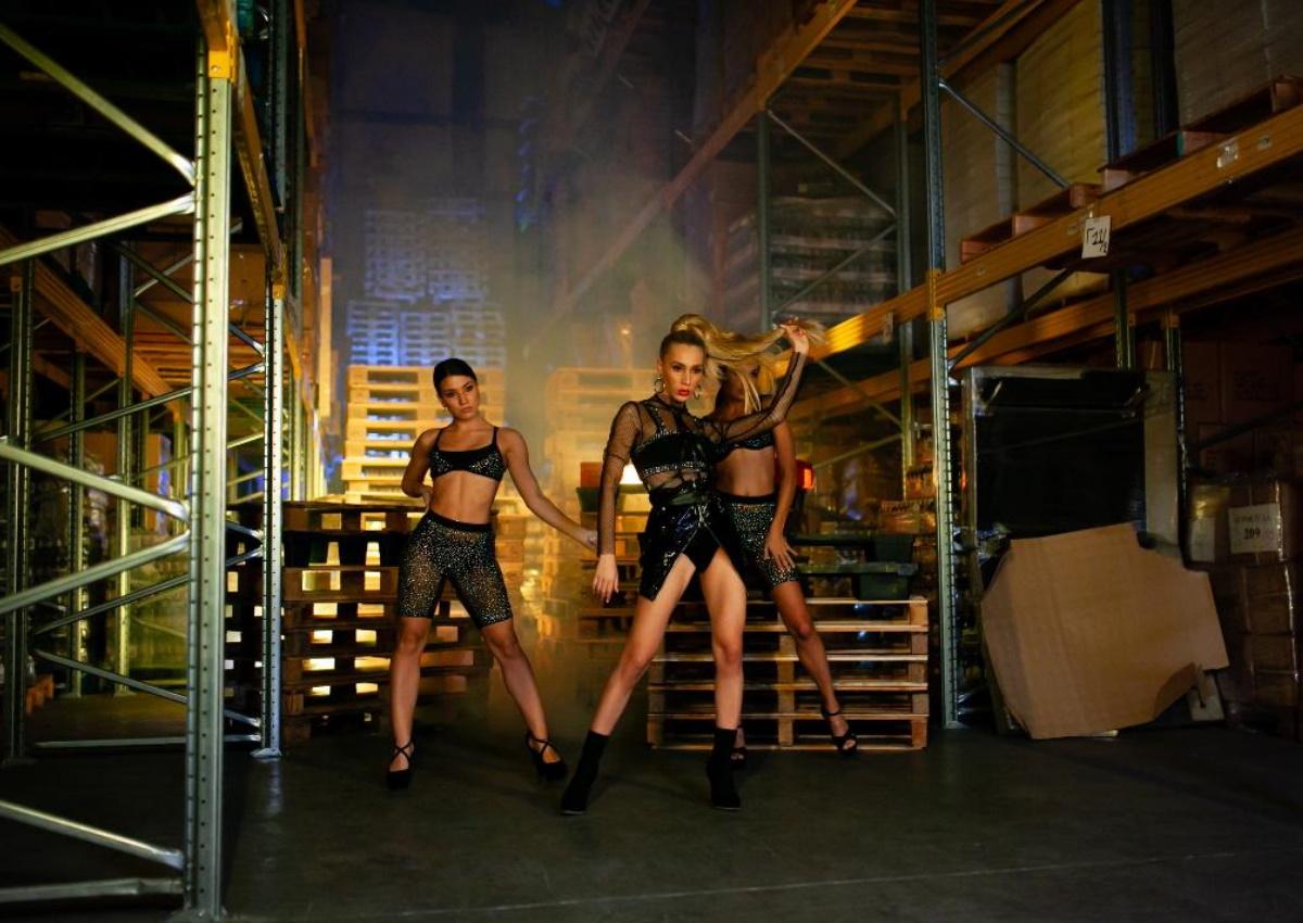 Αθηνά Χρυσαντίδου: Το πρώτο της solo single μόλις κυκλοφόρησε και ξεσηκώνει!