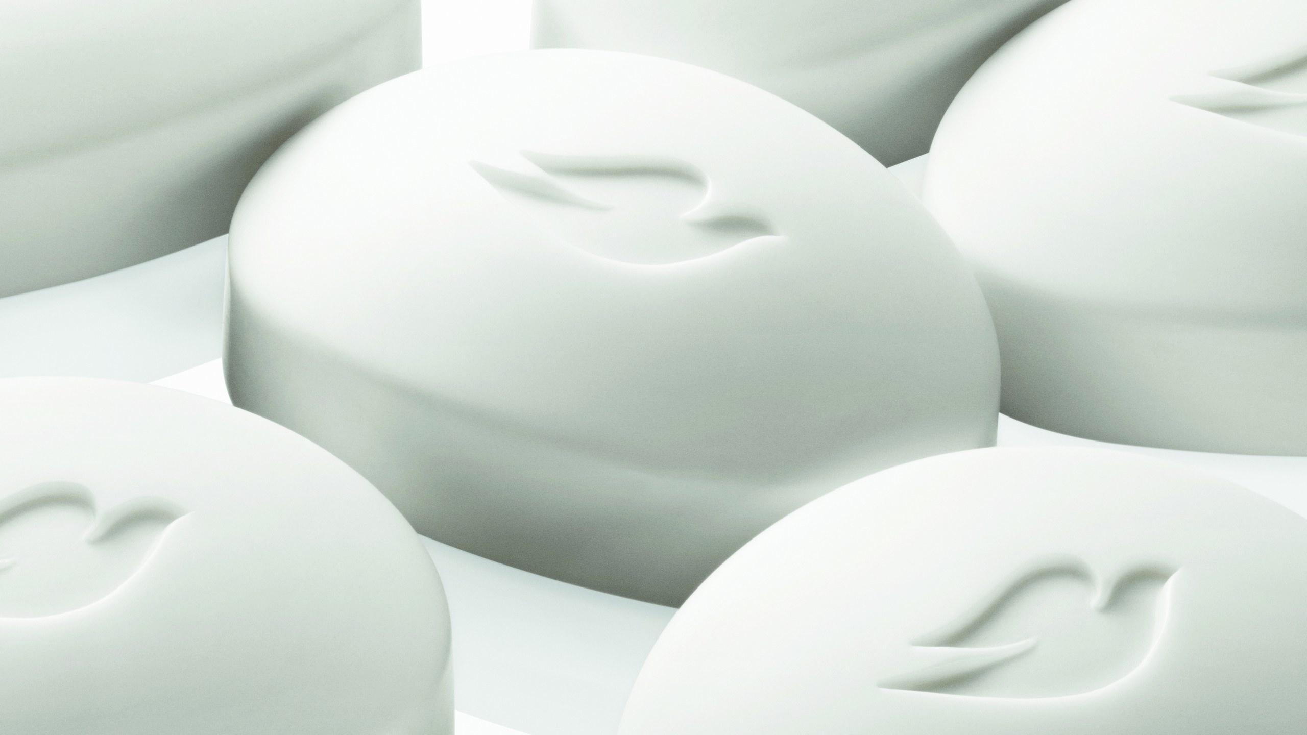Το Dove θα αντικαταστήσει τις φιάλες του από 100% ανακυκλωμένο πλαστικό μέχρι το τέλος της χρονιάς!