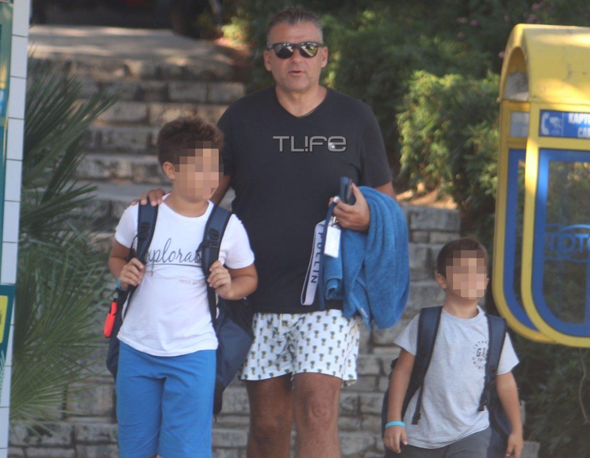 Γιώργος Λιάγκας: Δεν έχουν τέλος τα μπάνια! Η νέα εξόρμηση στη θάλασσα μαζί με τους γιους του [pics] | tlife.gr
