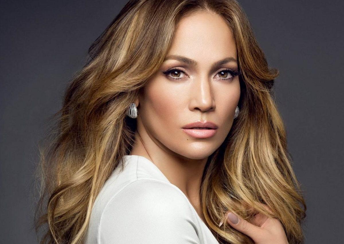 Jennifer Lopez: Πέταξε τα ρούχα της για το εξώφυλλο του νέου της single! | tlife.gr