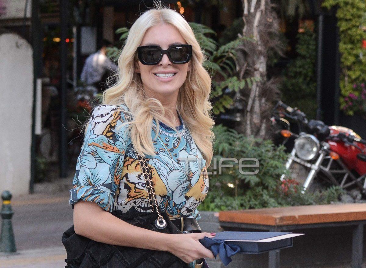 Κατερίνα Καινούργιου: Βόλτα στην Κηφισιά με άψογο στιλ! [pics] | tlife.gr