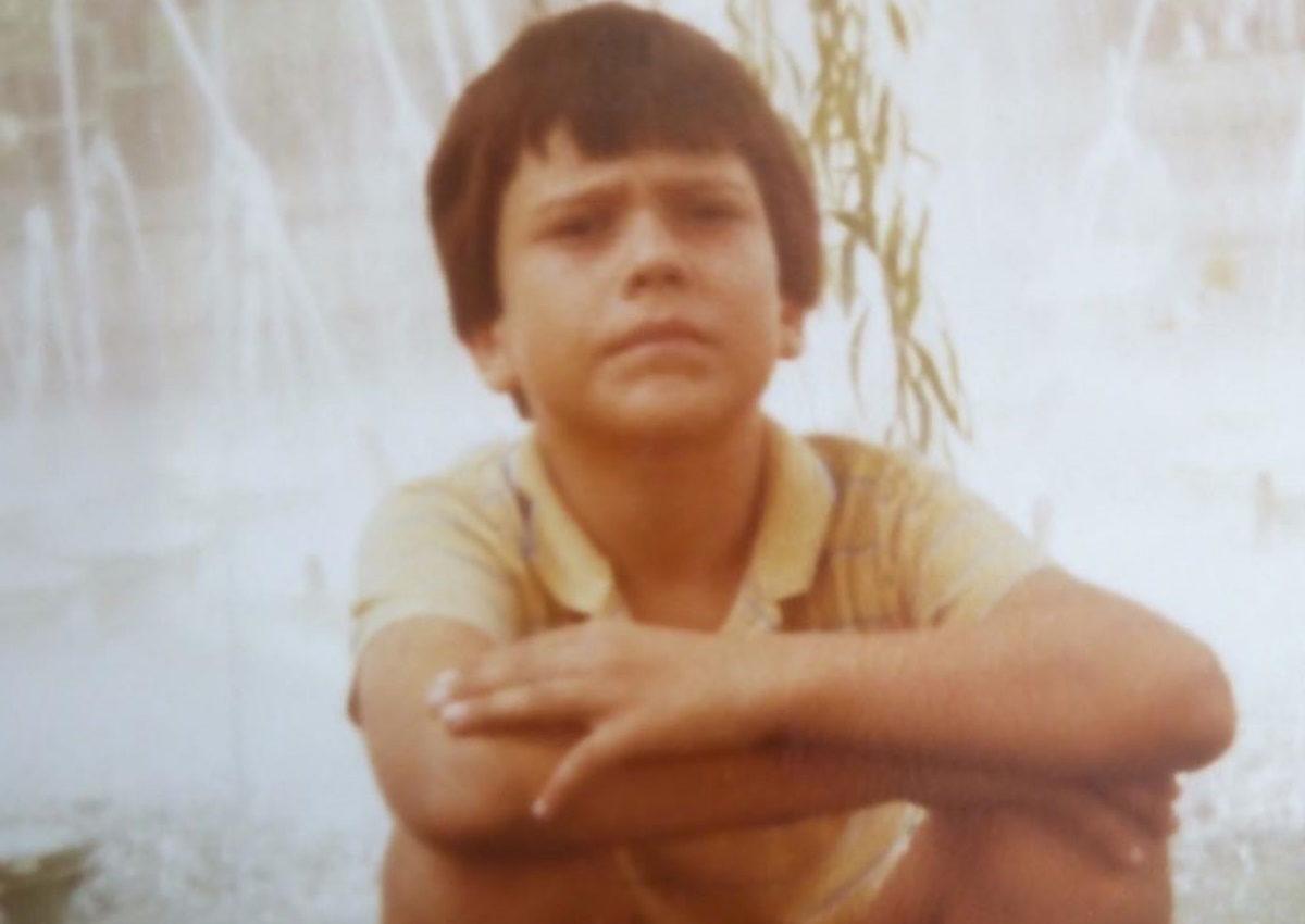 Το χαριτωμένο αγοράκι της φωτογραφίας είναι πρώην παίκτης του Survivor! Τον αναγνωρίζεις; | tlife.gr
