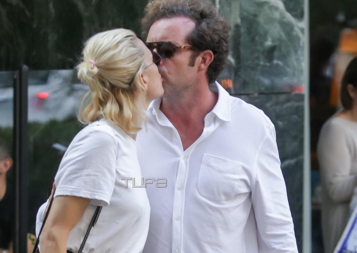 Βίκυ Καγία – Ηλίας Κρασσάς: Τα παθιασμένα φιλιά τους στη μέση του δρόμου! [pics] | tlife.gr