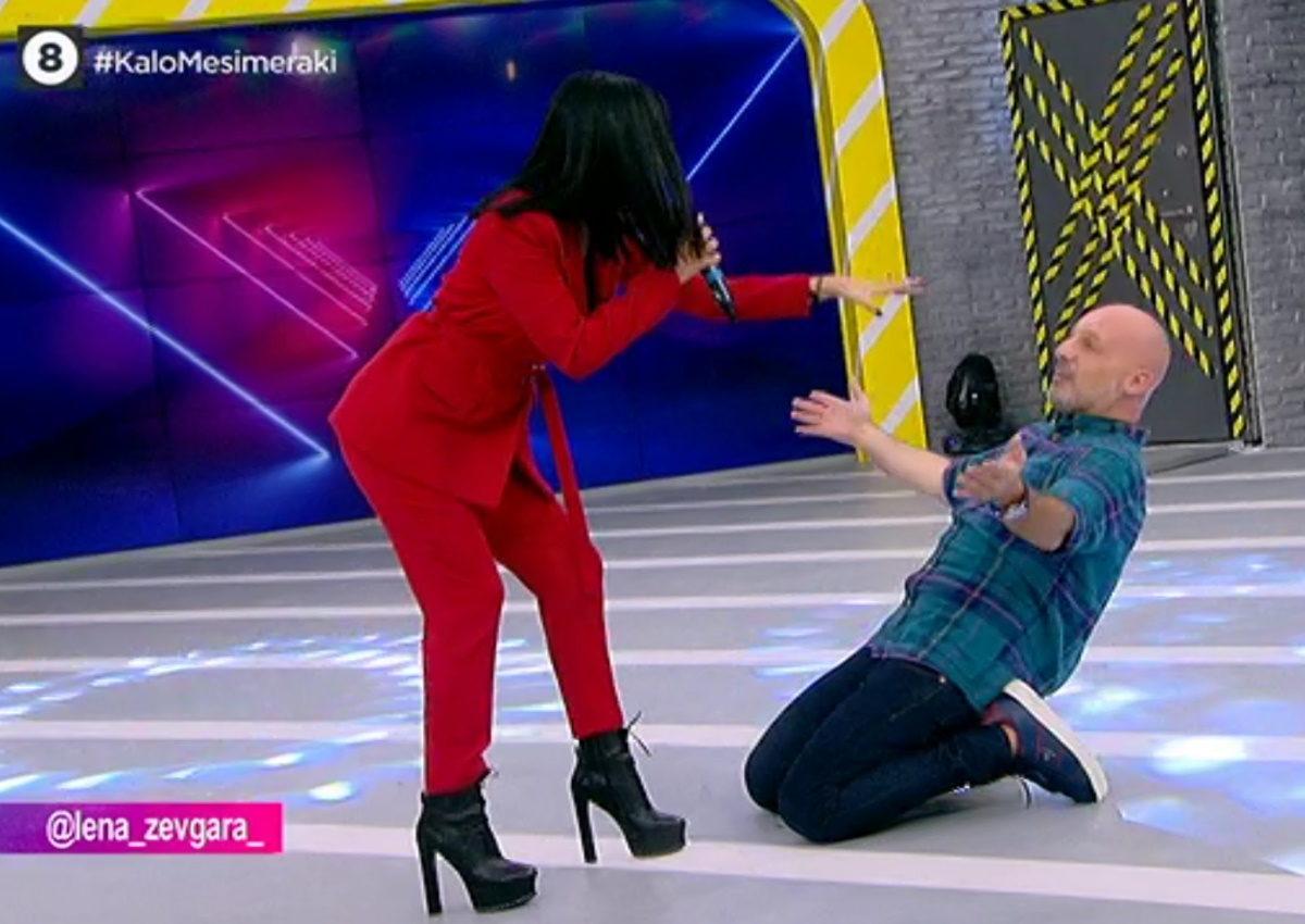 Λένα Ζευγαρά: Η τηλεοπτική συνάντηση με τον Νίκο Μουτσινά και ο ξέφρενος χορός με το «Έλα Έλα»! [video]   tlife.gr