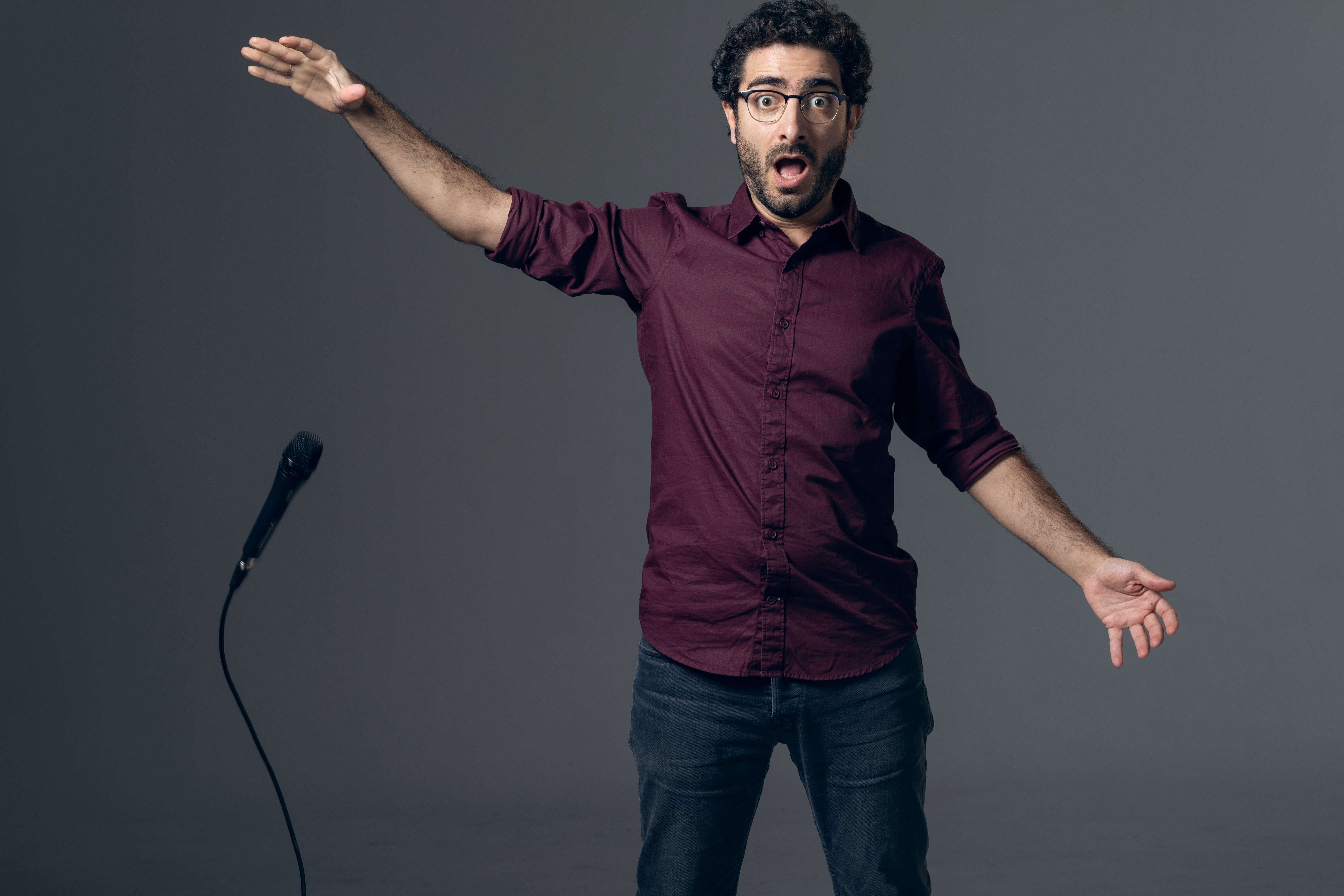 O Λάμπρος Φισφής έρχεται με ένα ξεκαρδιστικό stand-up comedy show