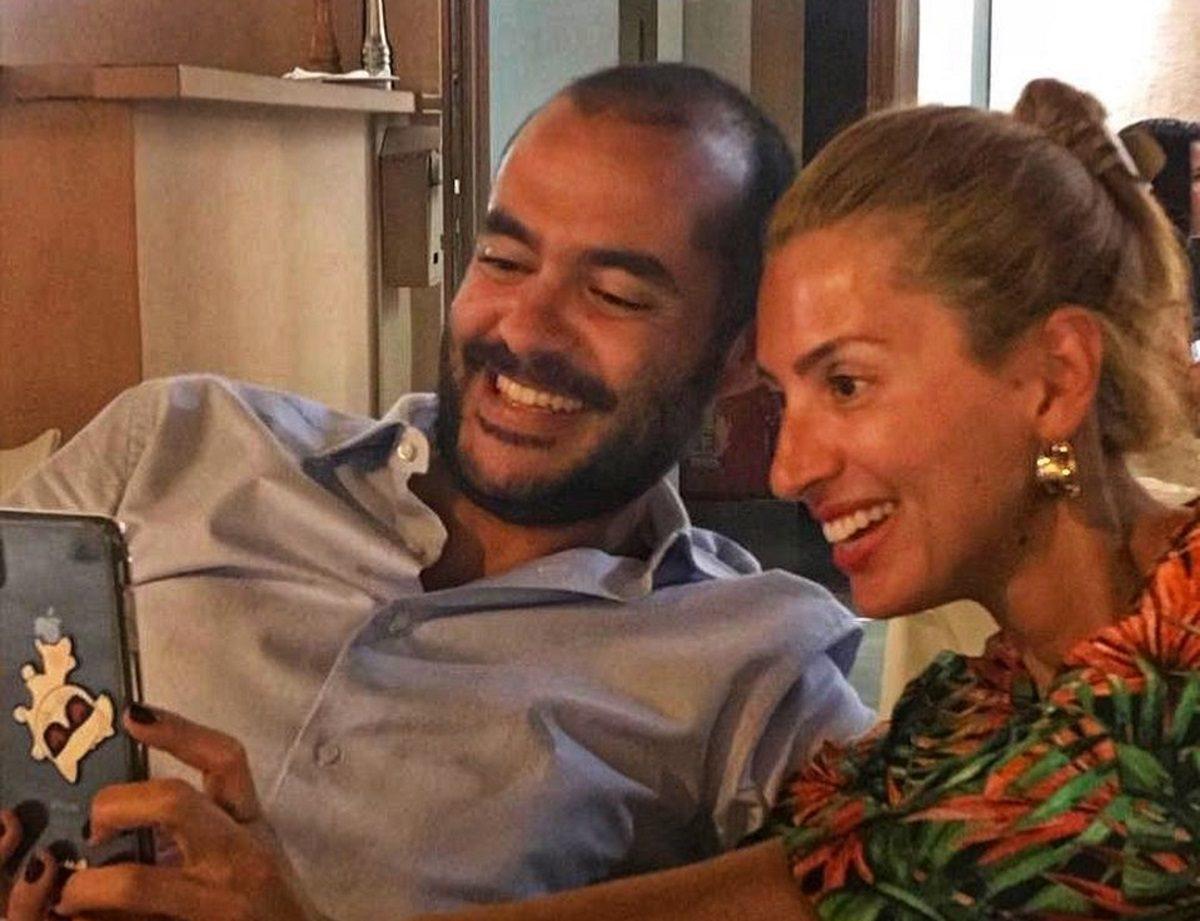 Μαρία Ηλιάκη: Η μεσημεριανή βόλτα και το γεύμα με τον Στέλιο Μανουσάκη στην Αθήνα! | tlife.gr