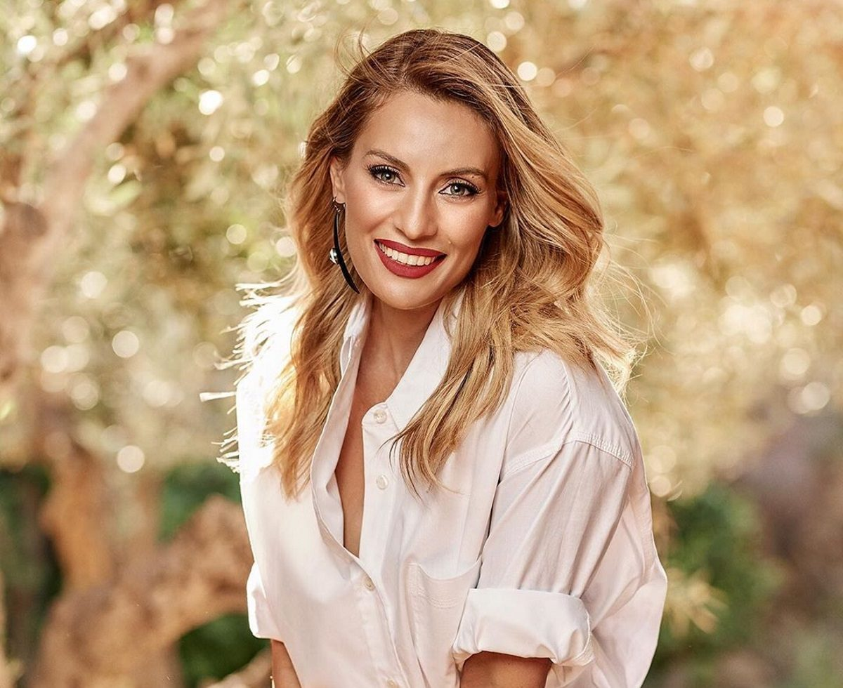Ελεονώρα Μελέτη: Η εντυπωσιακή αλλαγή που έκανε στα μαλλιά της – Είναι πλέον κοκκινομάλλα! | tlife.gr