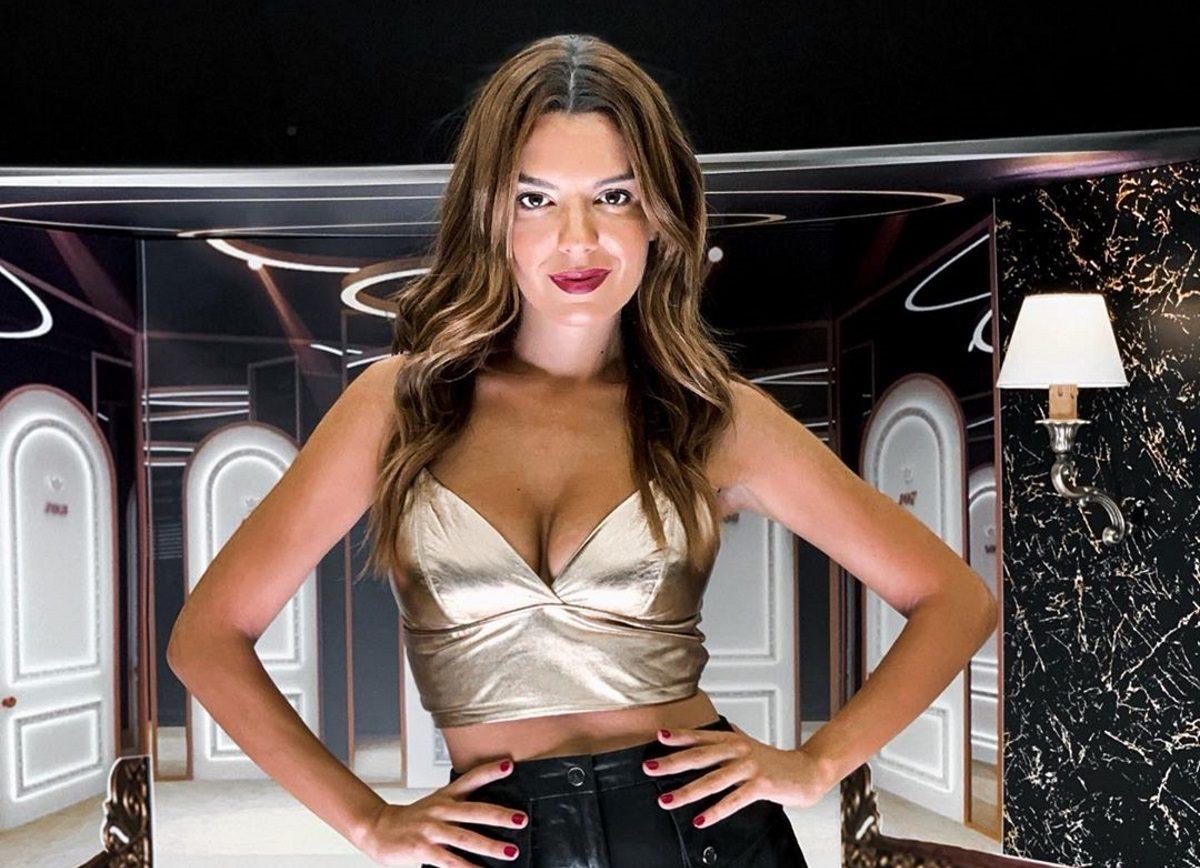 Νικολέττα Ράλλη: Ποζάρει μόνο με τα εσώρουχά της και εντυπωσιάζει με τα προσόντα της!   tlife.gr