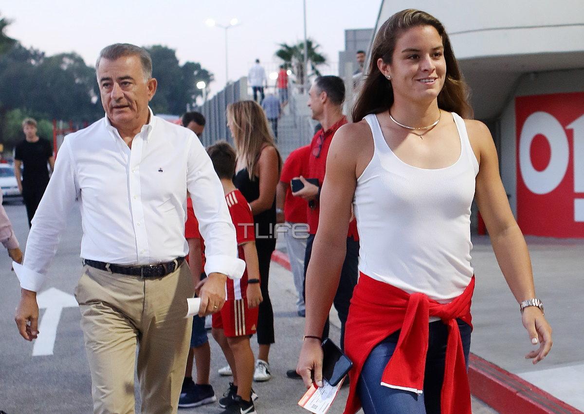 Mαρία Σάκκαρη: Στο γήπεδο μαζί με τον πατέρα της! [pics] | tlife.gr