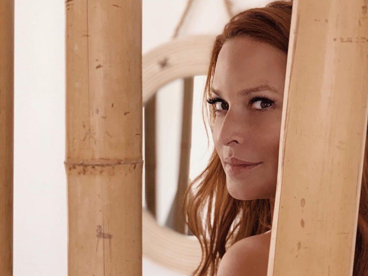 Σίσσυ Χρηστίδου: Μας δείχνει την εντυπωσιακή και cozy κρεβατοκάμαρά της! [pic] | tlife.gr