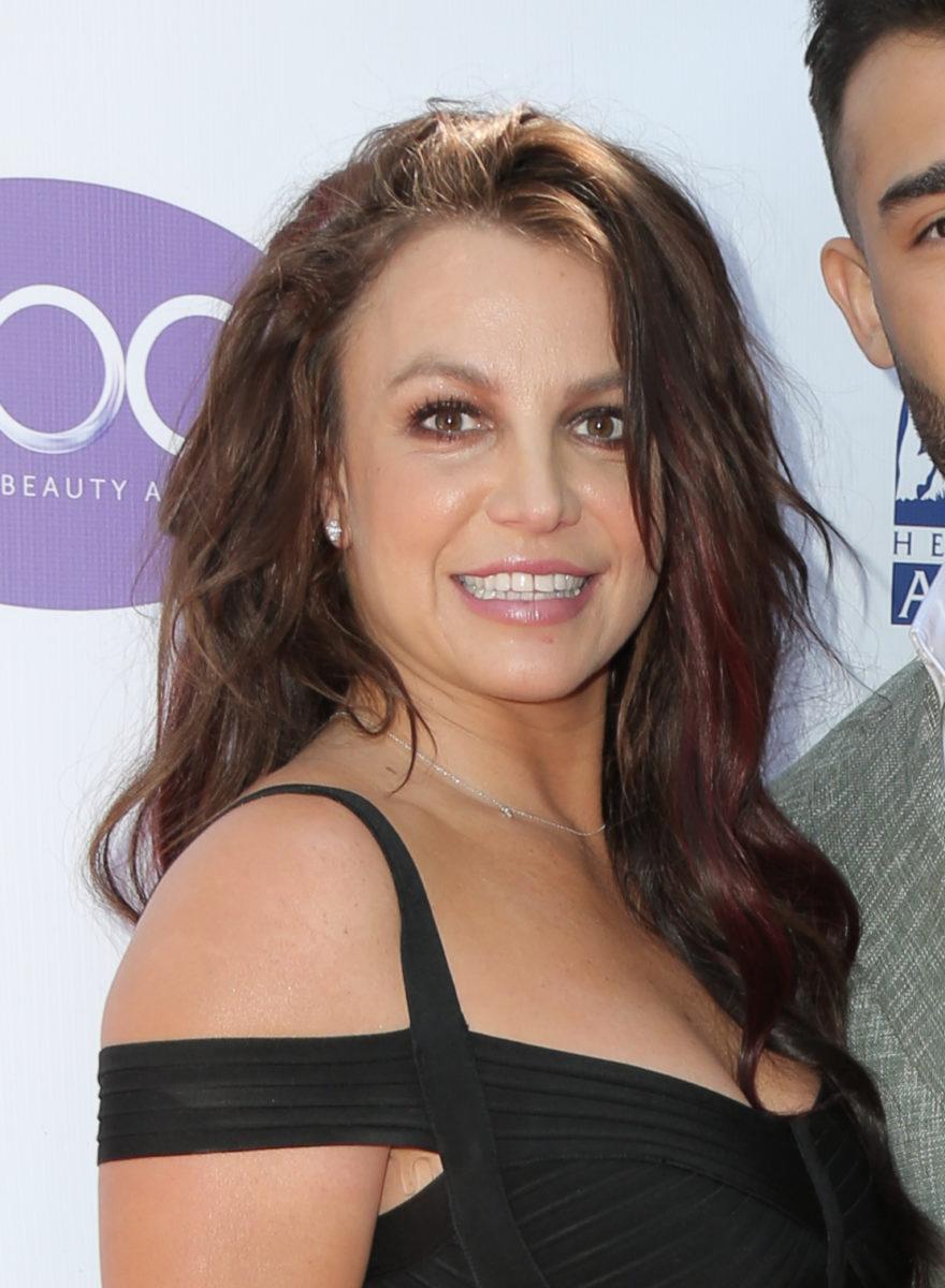 Τι χρώμα έχει τώρα τα μαλλιά της η Britney Spears! | tlife.gr