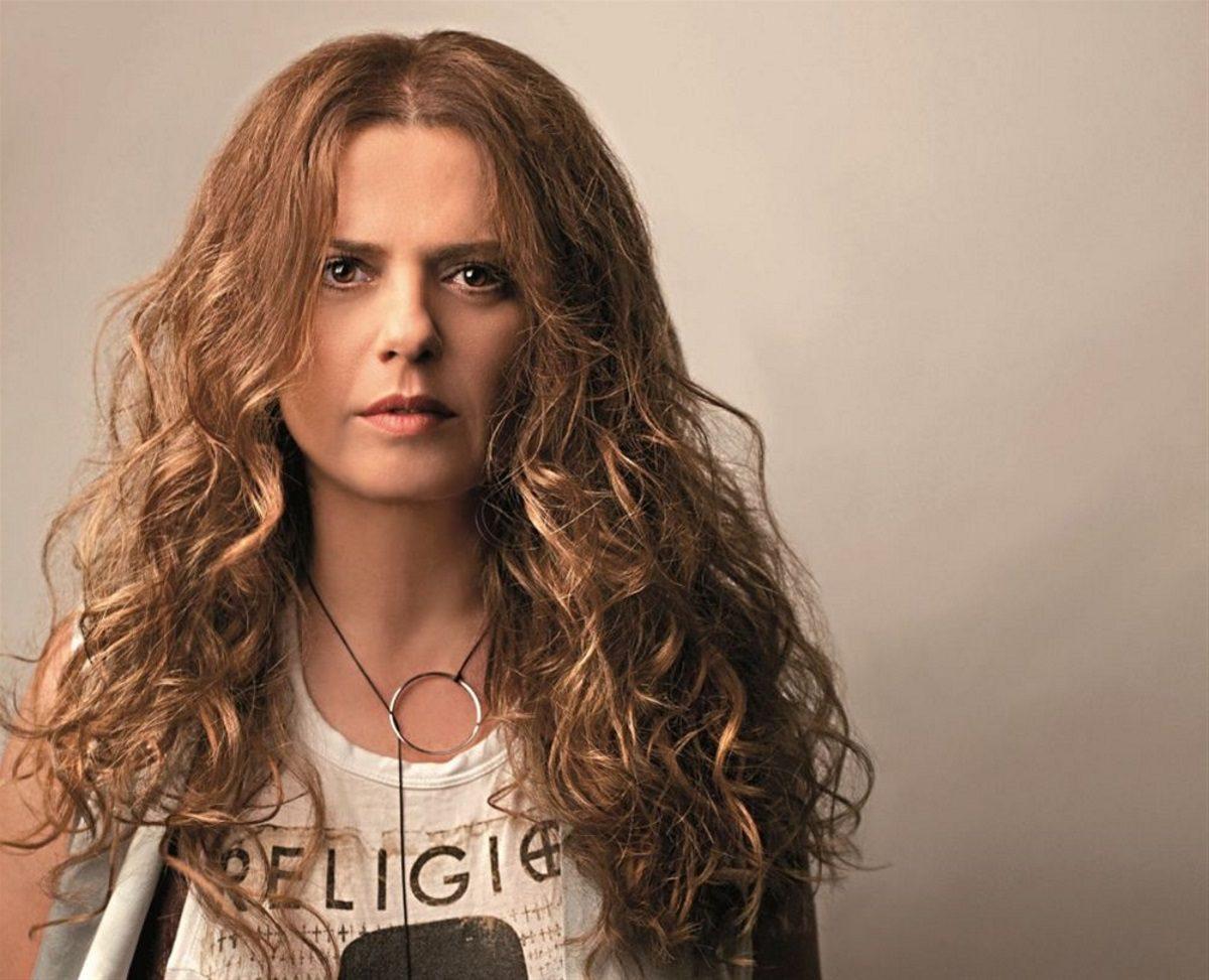 Ελένη Τσαλιγοπούλου: Στο νοσοκομείο η τραγουδίστρια – Τι συνέβη; | tlife.gr
